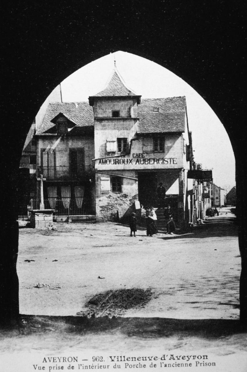 Architecte D Intérieur Aveyron aveyron - 963. villeneuve-d'aveyron vue prise de l'intérieur